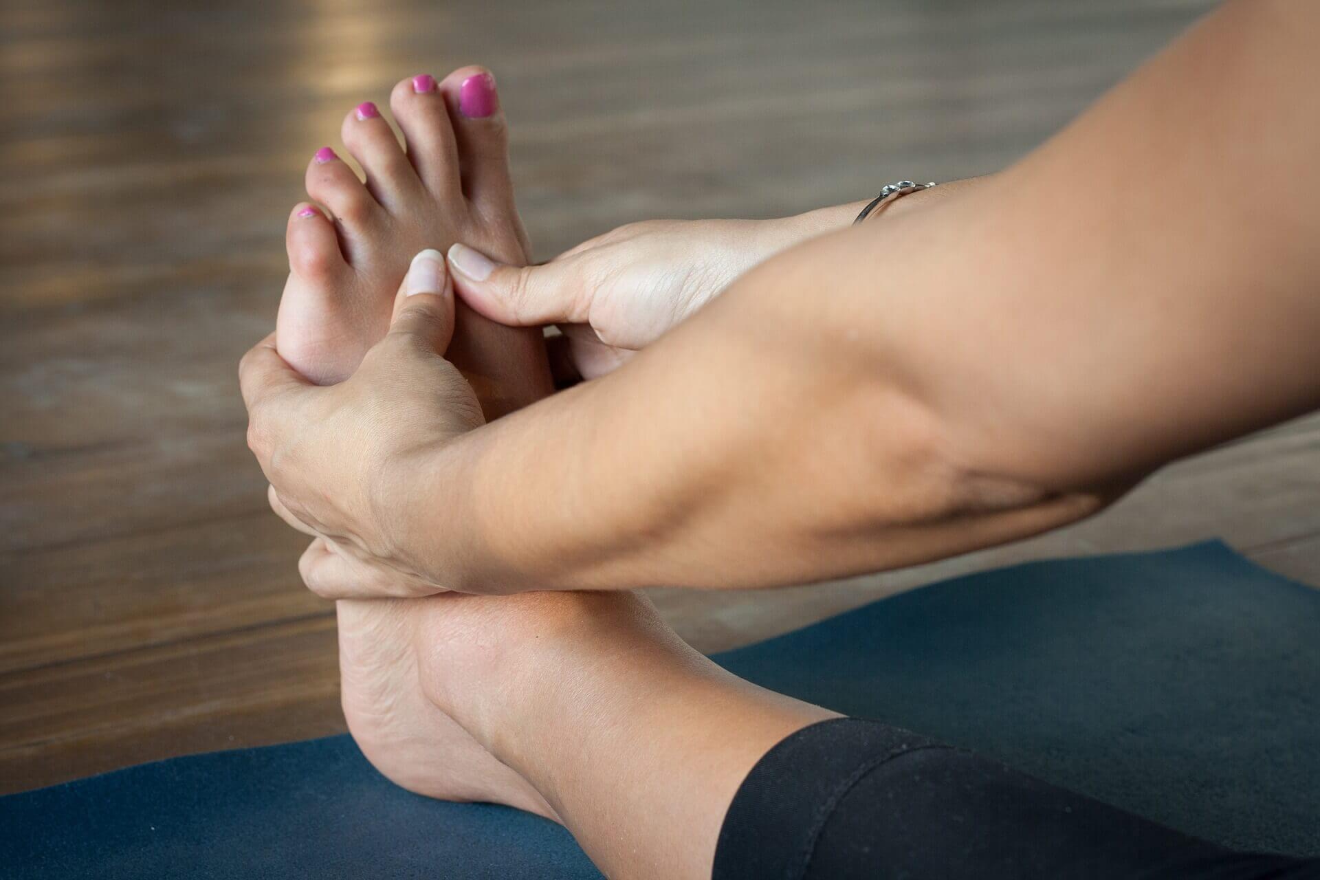 Fußreflexzonenmassage Yoga Füße Lotus Blüte