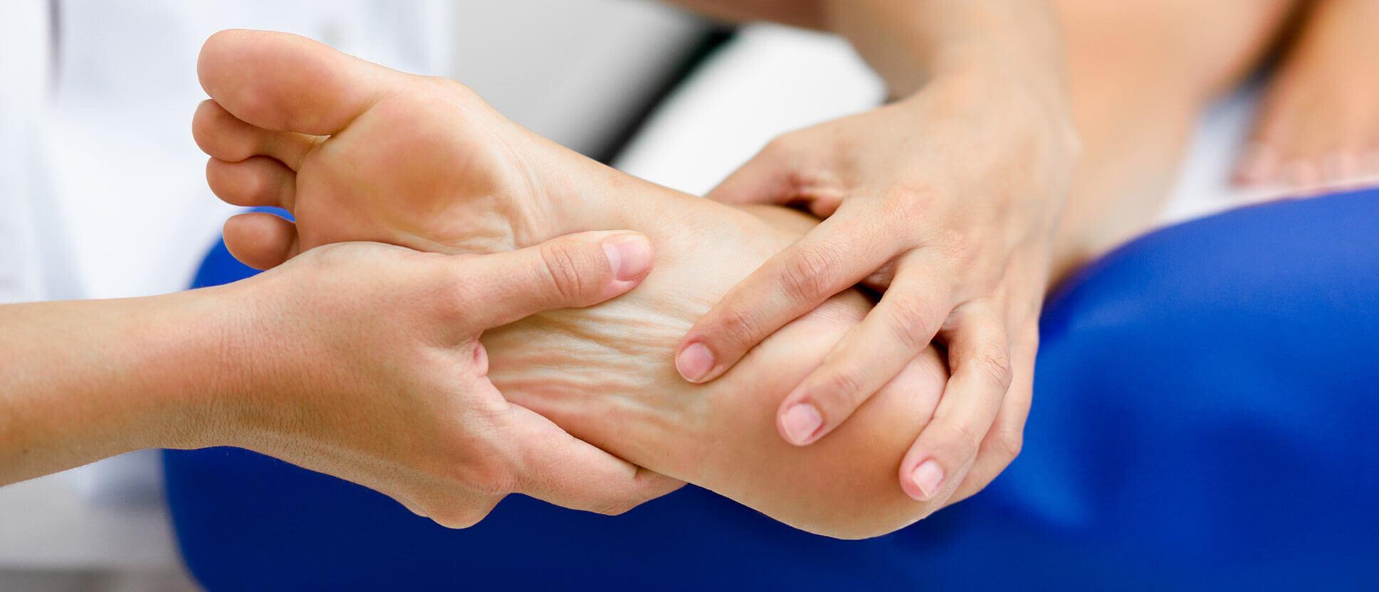 Fußreflexzonenmassage bei unruhigen Beinen