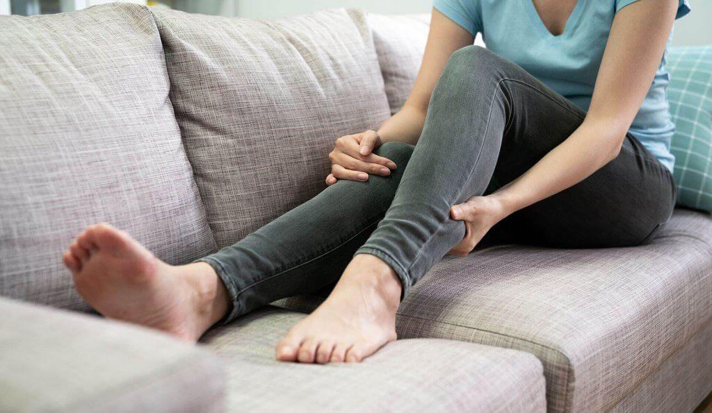 Restless Legs Syndrom Symptome mit CBD und Fußreflexzonenmassage lindern